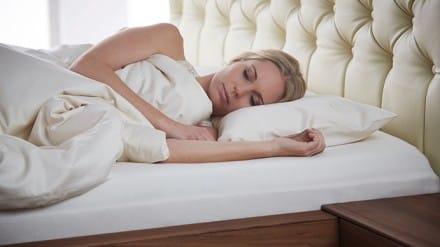 erdungsauflage einfach gesund schlafen das online magazin f r den perfekten schlaf powered. Black Bedroom Furniture Sets. Home Design Ideas