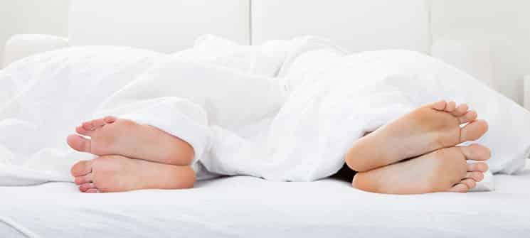 schlafst rungen wenn ihr schlaf gest rt ist und sie wach im bett liegen. Black Bedroom Furniture Sets. Home Design Ideas